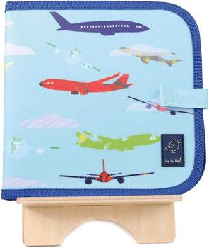 Cahier ardoise bleu avec avion sur socle en bois